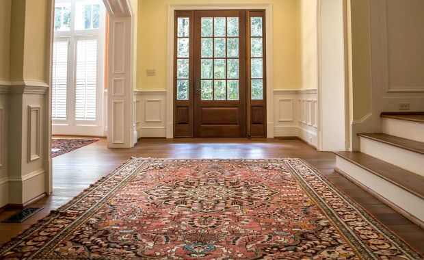House-foyer-with-clean-oriental-rug